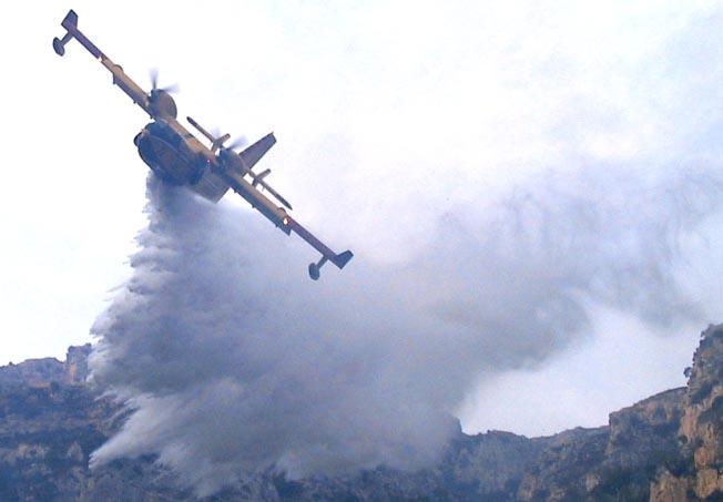 Dopo l'inchiesta su Spadaccini, a terra tutti i Canadair antincendio della Protezione civile