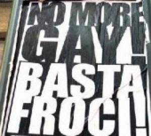"""Berlusconi: """"meglio essere appassionati di belle ragazze che gay"""""""