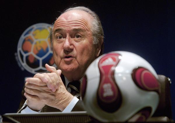 Blatter: tifosi gay, durante i Mondiali in Qatar evitate attività sessuali
