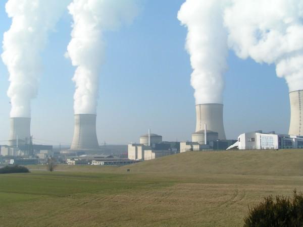 Veronesi, le scorie radioattive innocue e il conflitto di interessi