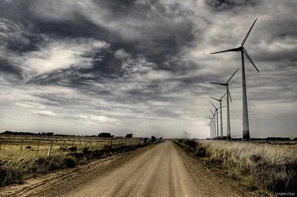 Crescono le rinnovabili, ma dipendiamo sempre dal gas estero