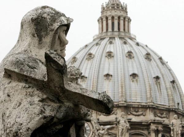Banca vaticana: Ratzinger impone le norme antiriciclaggio