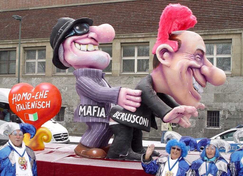 Carnevale di Dusseldorf edizione 2010. Italia umiliata dagli scandali del Premier