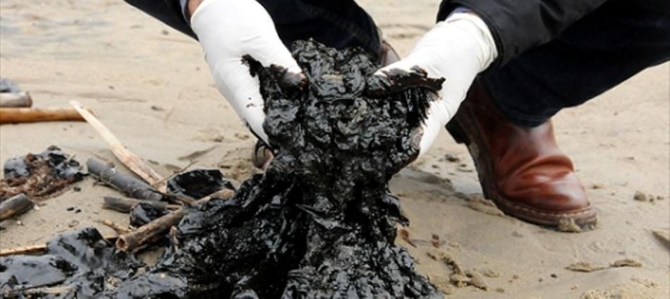 Petrolio sversato, violato anche il Parco dell'Asinara