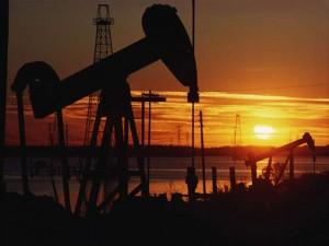tramonto del petrolio 300x225 Wikileaks, gli arabi inventano il petrolio che non cè