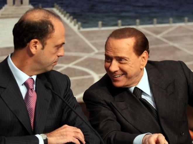 Berlusconi accelera su Forza Italia. Ora Alfano è nell'angolo