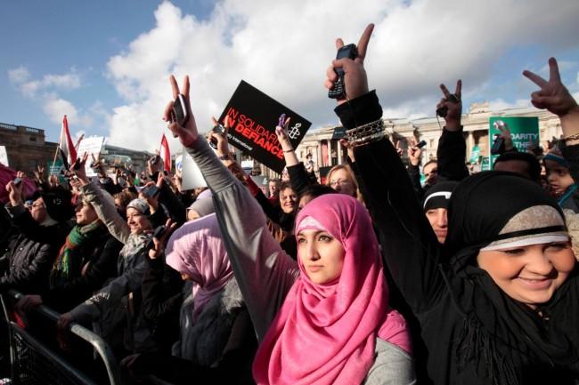 """""""Test di verginità"""" e torture: l'Egitto contro le donne scese in piazza"""