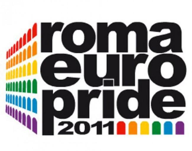 Di Pietro, il primo leader politico a sostenere l'Europride 2011