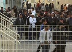 Bocciate le politiche italiane sull'immigrazione: costose e disumane