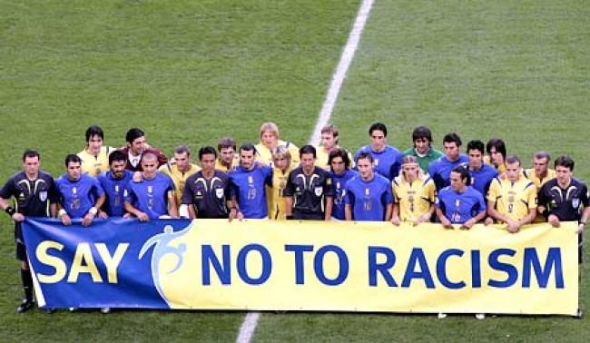 Calcio: il razzismo non conosce confini, stavolta tocca a Roberto Carlos