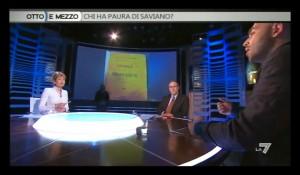 saviano1 300x175 Il TG1 contro Saviano: «Su Croce ha alterato la verità». Il giornalista: «Querelatemi»