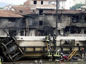 treno deragliato2 300x225  Disastro di Viareggio, in Tribunale le cause dellincidente