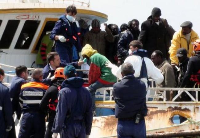 Migranti e pozzi di petrolio, l'Italia inerme
