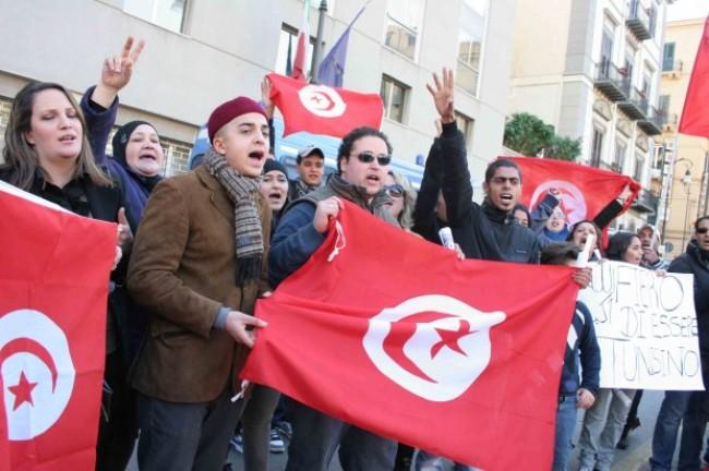 """Le voci dei tunisini delusi dall'Italia: """"Si rischia la vita per nulla"""""""