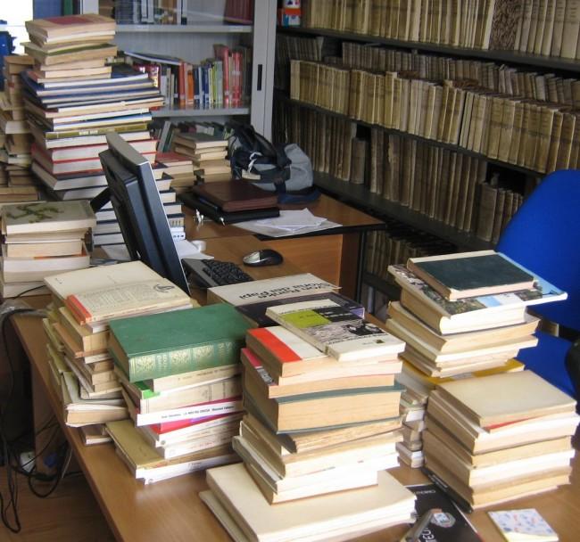 """La proposta Pdl: all'indice i libri di storia """"comunisti"""""""