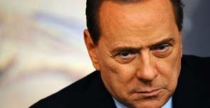 """Giustizia, lapsus di Berlusconi: """"I giudici pagati da me"""""""