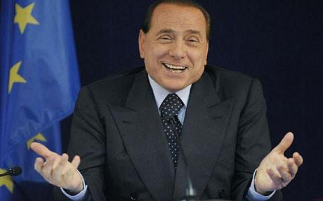 """Berlusconi ai tunisini: """"Vi aspettiamo a braccia aperte"""""""