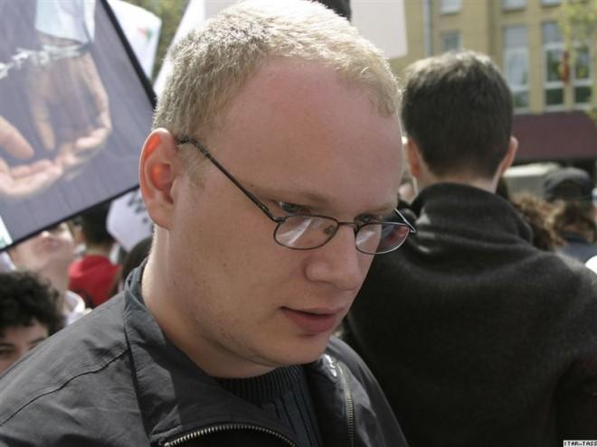 Dopo il pestaggio, Oleg Kashin racconta l'informazione in Russia e l'amicizia tra Putin e Berlusconi