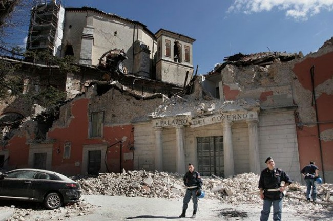 """""""Dieci anni per ricostruire L'Aquila"""""""