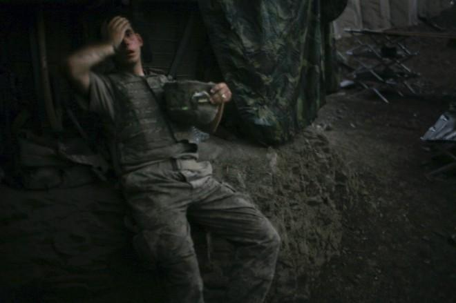 L'ultimo rullino, la guerra di Libia uccide i fotoreporter Hetherington e Hondros