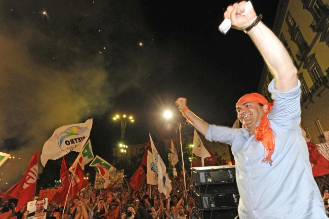 «La fine del berlusconismo», così l'Europa guarda ai risultati elettorali in Italia
