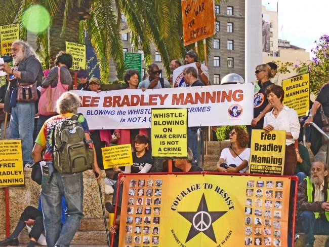 Caso Wikileaks: trasferito il soldato Manning, ma non si placa la polemica