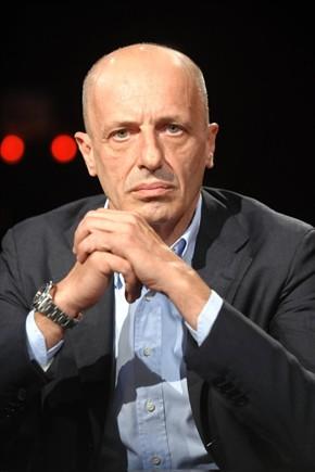 alessandro sallusti 290x435 Sallusti: Alla Moratti è andata di culo. Nessuno osa dire che Berlusconi ha sbagliato