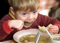 Bambini poveri in aumento, l'Italia in crisi