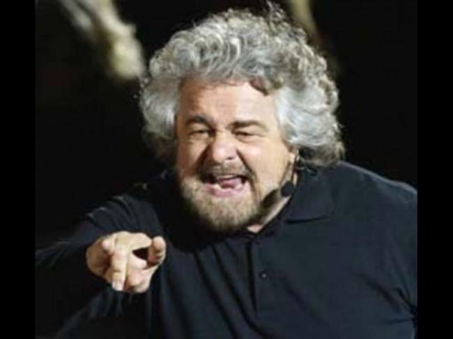 """Quando Grillo diceva: """"De Magistris? Un mio errore imbarazzante"""". Adesso tace"""