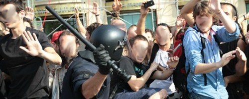 """Indignados"", le manganellate della polizia"