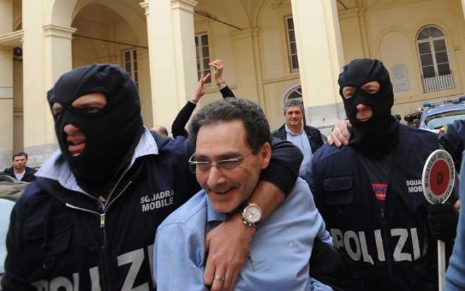 Arrestato il vice di Zagaria, si stringe il cerchio attorno alla primula rossa dei Casalesi