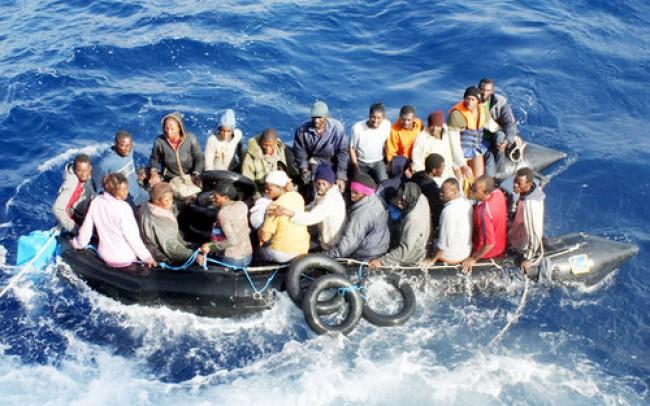 Spazzatura e liquami: vita nel campo-ghetto dei profughi libici a Malta