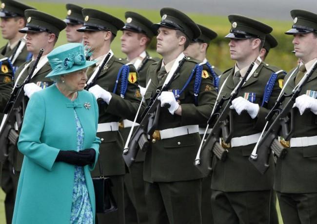 Dublino e Londra, parole di pace tra venti di guerra