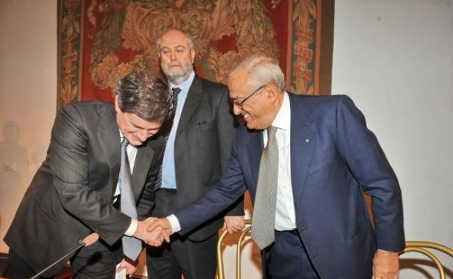 """Alemanno contro il referendum sull'Acqua: """"non toccate le schede"""""""