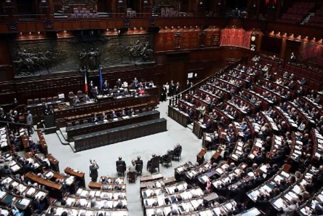 parlamento e1307312170194 Precari in Parlamento, ma i portaborse ora si ribellano