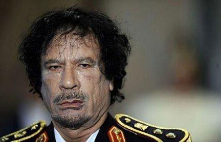 """""""Gheddafi raderà al suolo Tripoli e si suiciderà"""""""