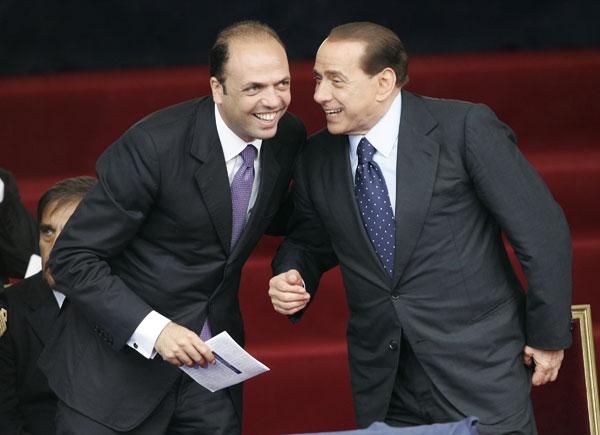 Berlusconi si ritira, nel 2013