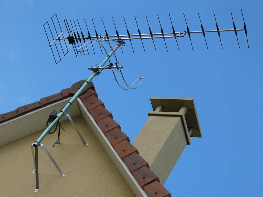 Digitale terrestre tagliate le frequenze per le tv locali for Antenne fait maison