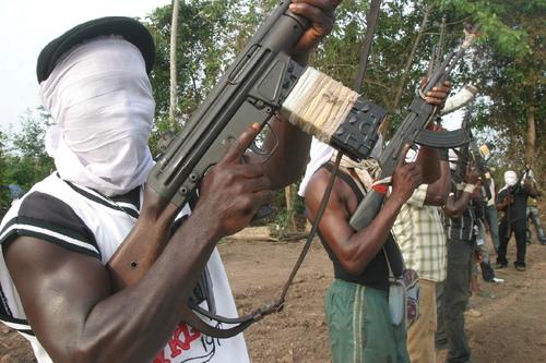 Nigeria, continuano gli attentati tra guerriglia, radicalismo islamico e interessi petroliferi