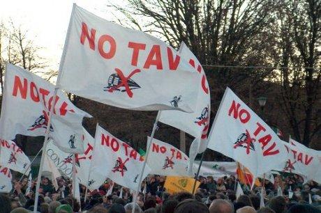 No Tav, devastata la tendopoli dei manifestanti
