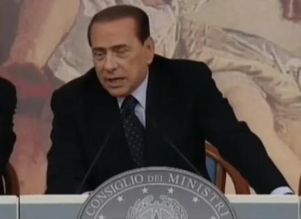 """Panico in Borsa. Berlusconi: """"se avessi dei risparmi investirei nelle mie aziende"""""""
