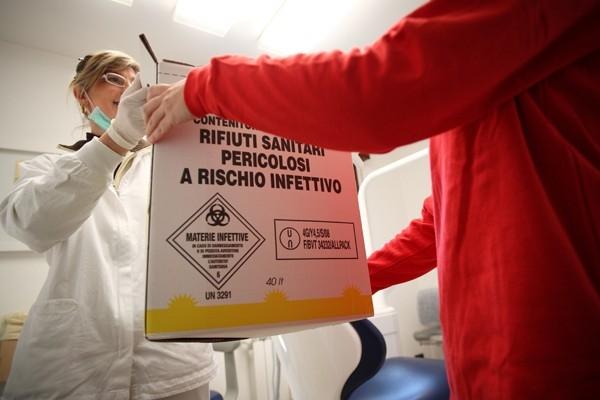 """Rifiuti sanitari, l'ONU: """"E' emergenza mondiale, rischio infezioni"""""""