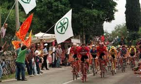 La Padania in bicicletta, il Giro che fa discutere
