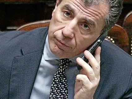 Il D-day del governo: oggi il voto su Milanese. E rispunta la legge sulle intercettazioni