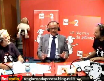 """Il Ministro Rotondi a Un giorno da pecora: """"Berlusconi un santo puttaniere"""""""