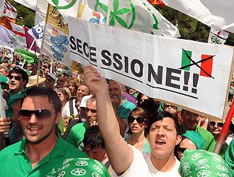 Bossi vuole un referendum per la secessione (video)