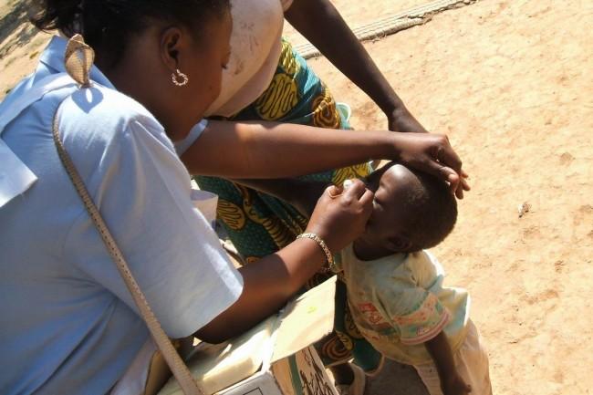 Ogni 4 secondi nel mondo un bambino muore per mancanza di cure. L'allarme di Save The Children