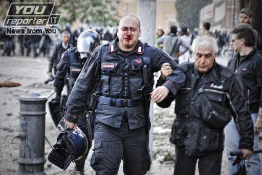 Blac block, due poliziotti raccontano gli errori commessi durante gli scontri di piazza San Giovanni