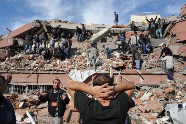 Terremoto in Turchia di magnitudo  7,5 della scala Richter