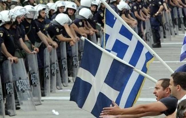 La Grecia volta pagina, conto alla rovescia per il governo tecnico